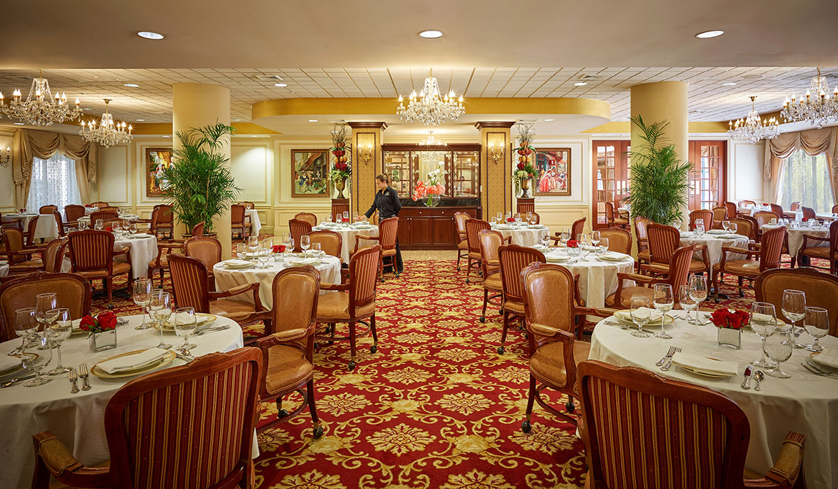 The Palace Royale dining room