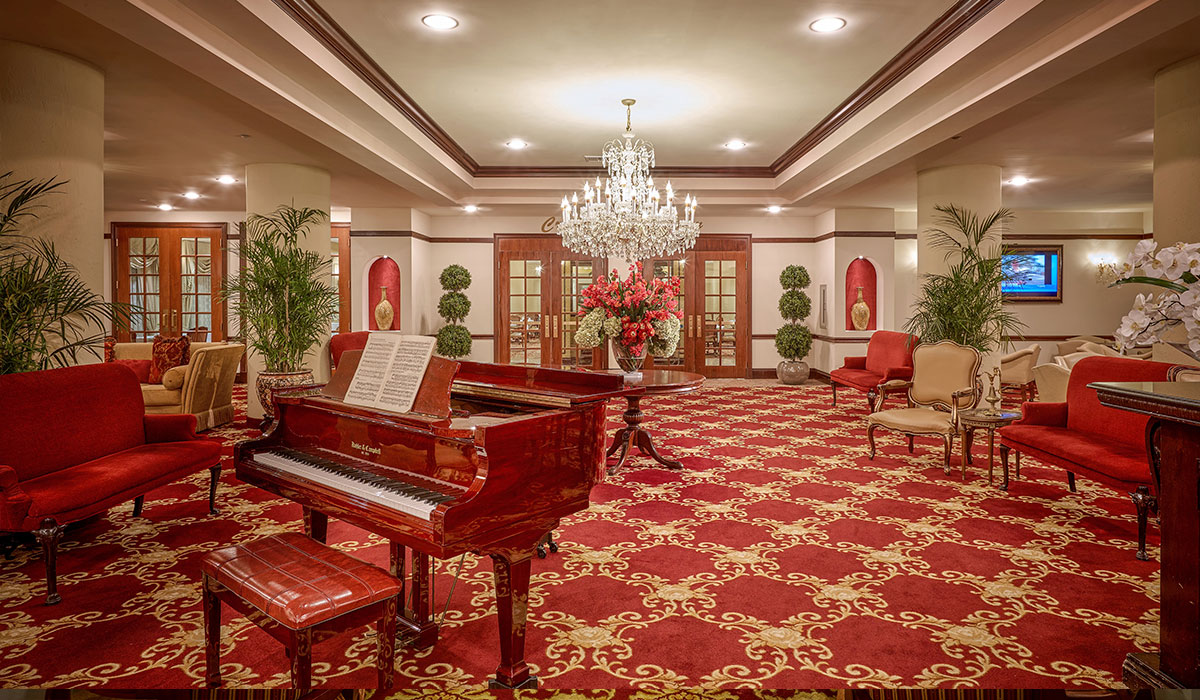 The Palace Royale piano bar